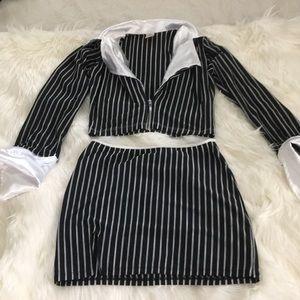 Pinstripes Crop top skirt set 🖤